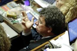 Roberto Cociancich in Senato durante le votazioni emendamenti alla Riforma Costituzionale, Roma, 30 settembre 2015,  ANSA/GIUSEPPE LAMI